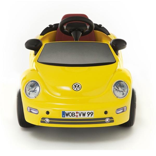 Детская педальная машина Toys Toys New Beetle