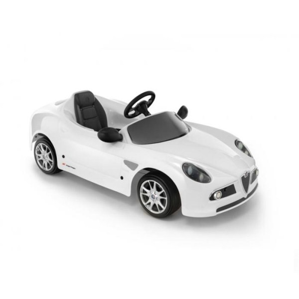 Детская педальная машина Toys Toys Alfa 8C